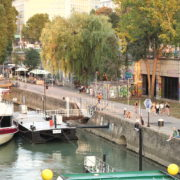 Beautiful-White-Ship-On-Wien-In-Vienna-Austria-Schwedenplatz-Donaukanal-Stadtkanal_002 🔴  National Footage