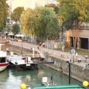 Beautiful-White-Ship-On-Wien-In-Vienna-Austria-Schwedenplatz-Donaukanal-Stadtkanal_008 🔴  National Footage