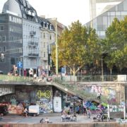 vj video background Busy-People-1020-Bezirk-Streets-Of-Vienna-Austria-On-the-Wien-Bridge-Schwedenplatz-Donaukanal-Stadtkanal_003