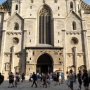 Nice-Summer-Holiday-Tourist-Trip-Stephansdome-Church-Stephansplatz-Vienna-Austria-Timelapse-4K-25fps-Live-Footage_009 🔴  National Footage