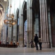Tourism-travel-people-in-gothic-Vienna-Church-timelapse-_001 🔴  National Footage