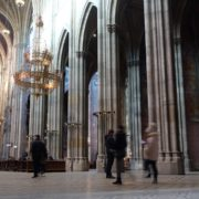 Tourism-travel-people-in-gothic-Vienna-Church-timelapse-_005 🔴  National Footage