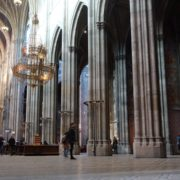 Tourism-travel-people-in-gothic-Vienna-Church-timelapse-_008 🔴  National Footage