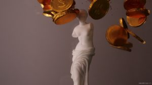 vj video background Beauty-Venus-statue-with-gold-dollars-coins-falls-in-slow-motion_003