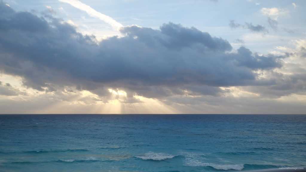 Beauty-clouds-and-sun-rays-timelapse-in-caribbean-sea-daylight-in-mexico_007 National Footage