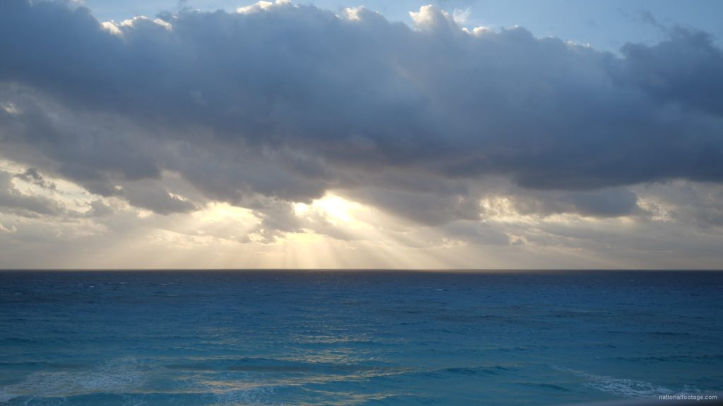 Beauty-clouds-and-sun-rays-timelapse-in-caribbean-sea-daylight-in-mexico_009 National Footage