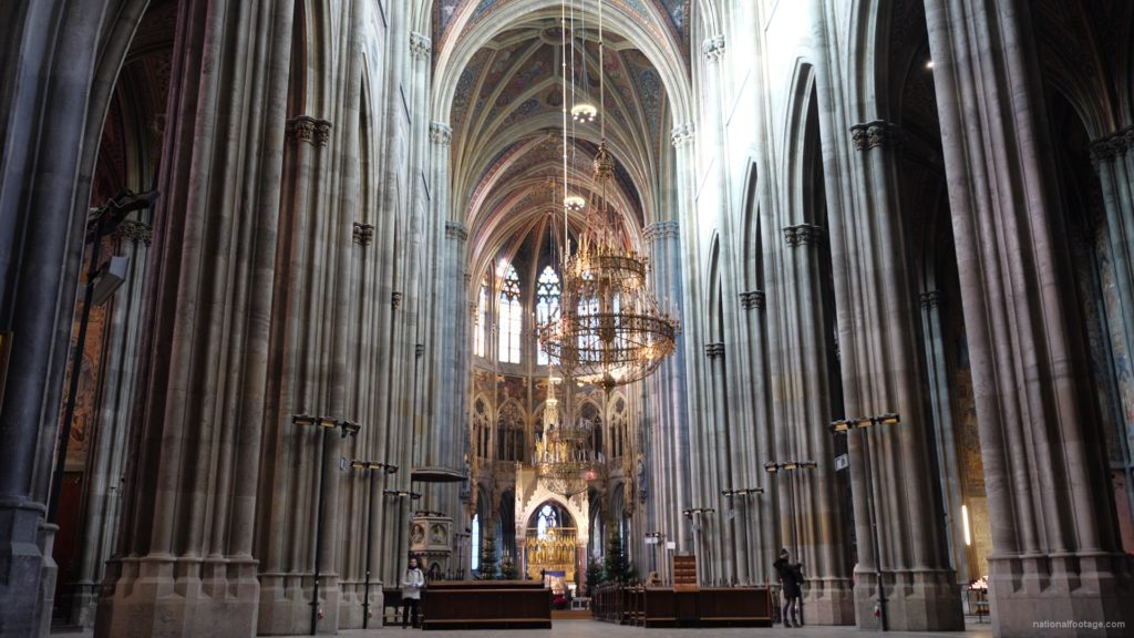 Timelapse-in-Church-Hall-European-Gothic-Temple-people_007 National Footage