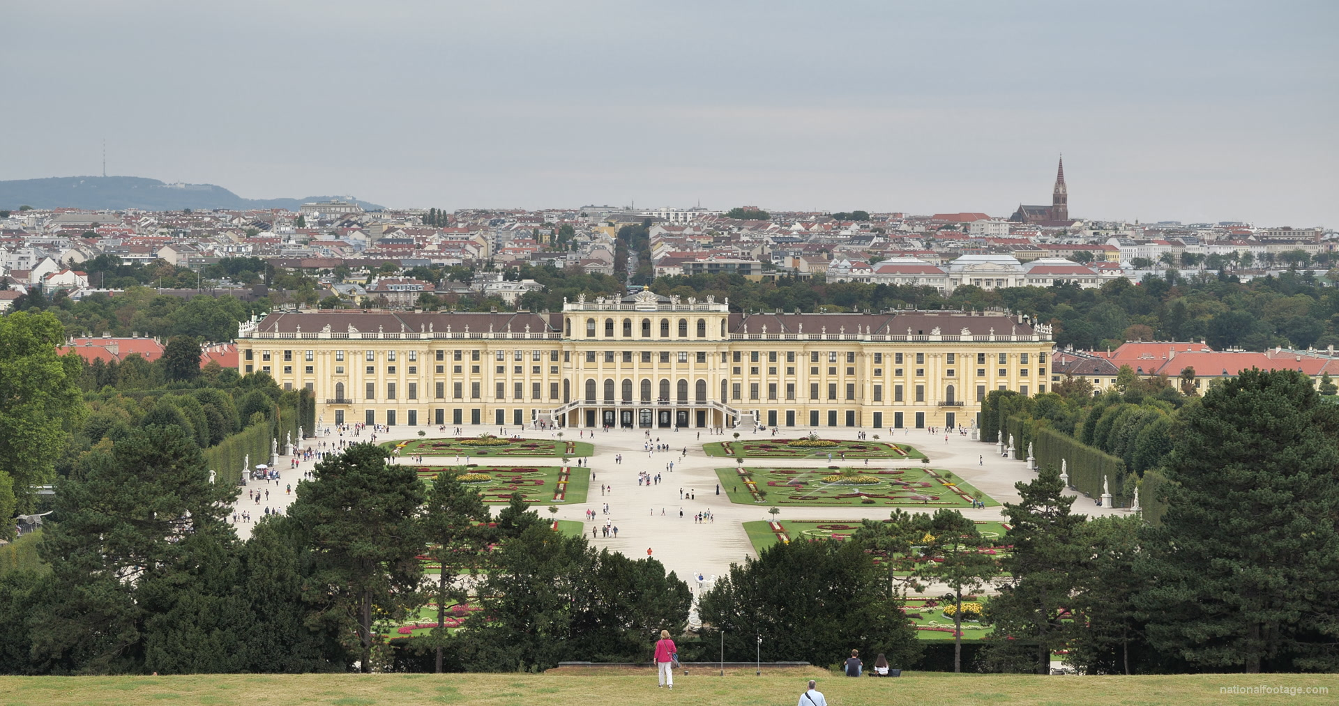 vj video background Hot-Awesome-Summer-Day-Pleasant-Trip-Schoenbrunn-Palace-at-Vienna-Austria-4K-25fps-Video-Footage_003
