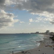 vj video background Long-beach-line-view-in-Cancun-Mexico-travel-timelapse_003