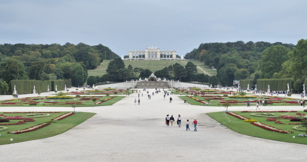 Sunny-Day-Awesome-Pleasant-Walk-Schoenbrunn-Palace-at-Vienna-Austria-4K-25fps-Video-Footage_005 National Footage