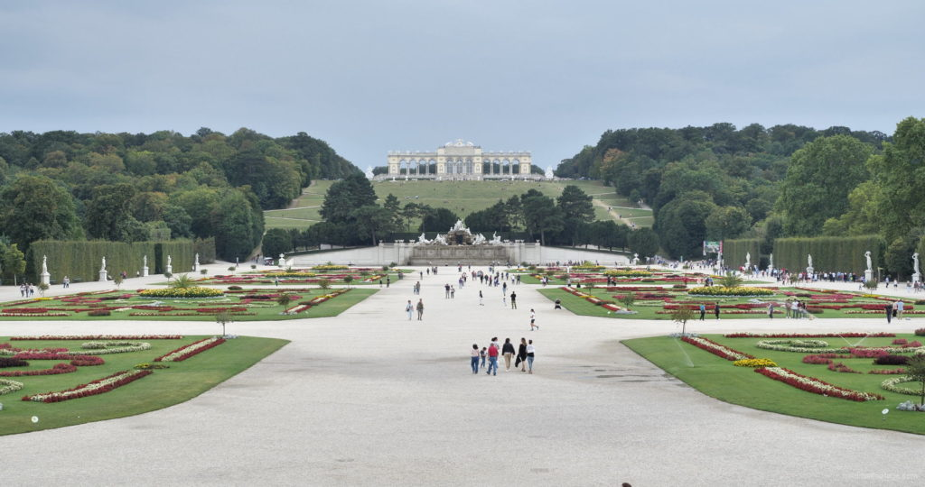 Sunny-Day-Awesome-Pleasant-Walk-Schoenbrunn-Palace-at-Vienna-Austria-4K-25fps-Video-Footage_007 National Footage