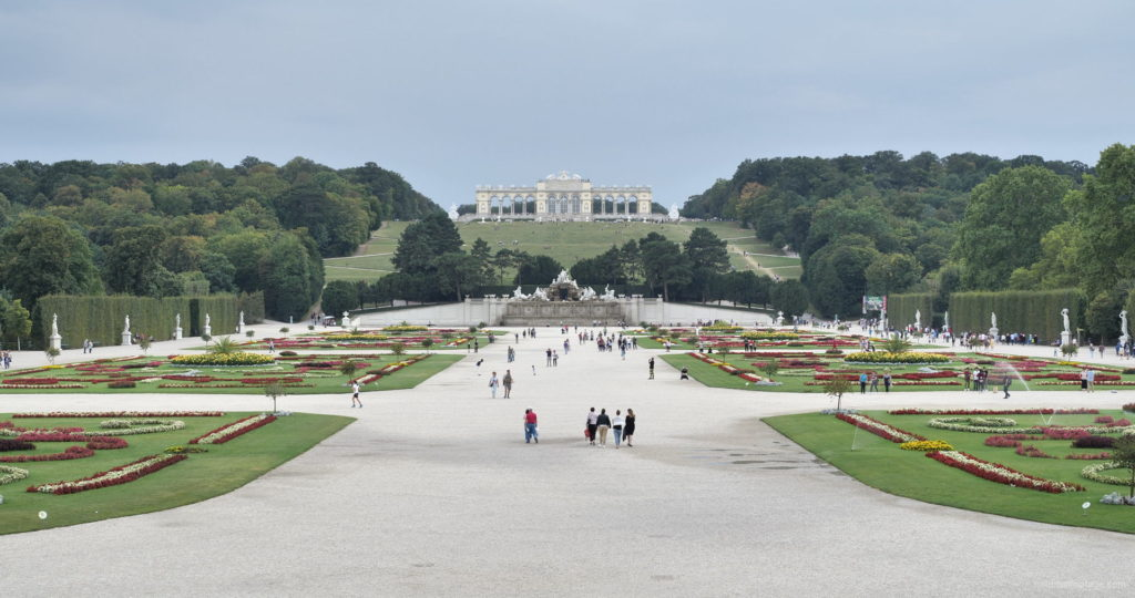 Sunny-Day-Awesome-Pleasant-Walk-Schoenbrunn-Palace-at-Vienna-Austria-4K-25fps-Video-Footage_009 National Footage