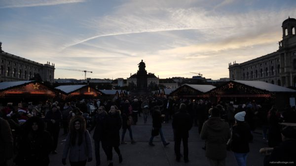 Daily-chistmas-market-in-vienna-in-daylight-timelapse_001 National Footage