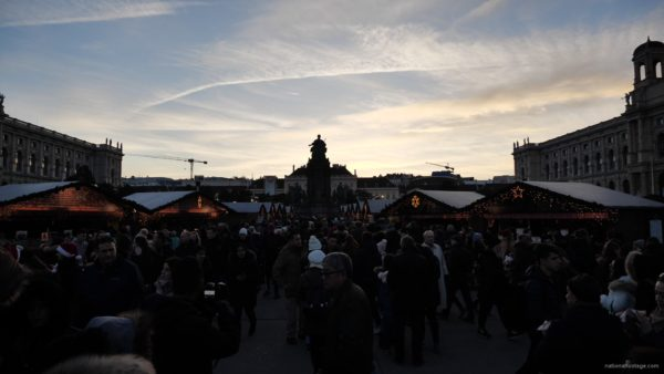 vj video background Daily-chistmas-market-in-vienna-in-daylight-timelapse_003