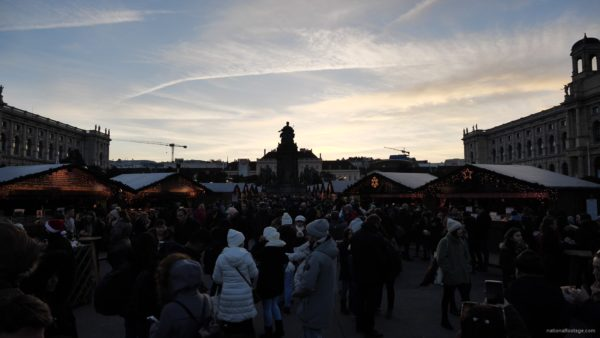 Daily-chistmas-market-in-vienna-in-daylight-timelapse_005 National Footage