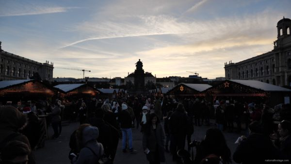 Daily-chistmas-market-in-vienna-in-daylight-timelapse_006 National Footage