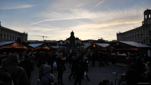 Daily-chistmas-market-in-vienna-in-daylight-timelapse_007 National Footage
