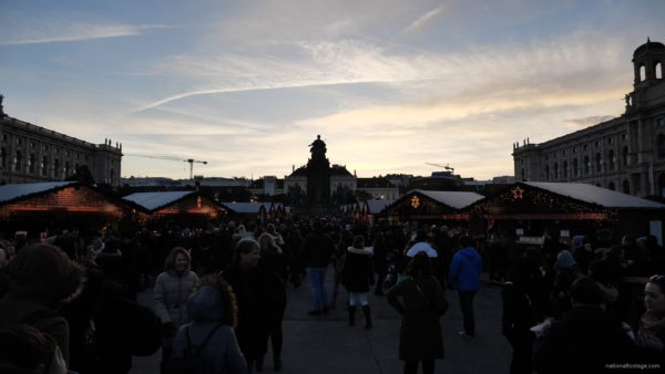 Daily-chistmas-market-in-vienna-in-daylight-timelapse_008 National Footage