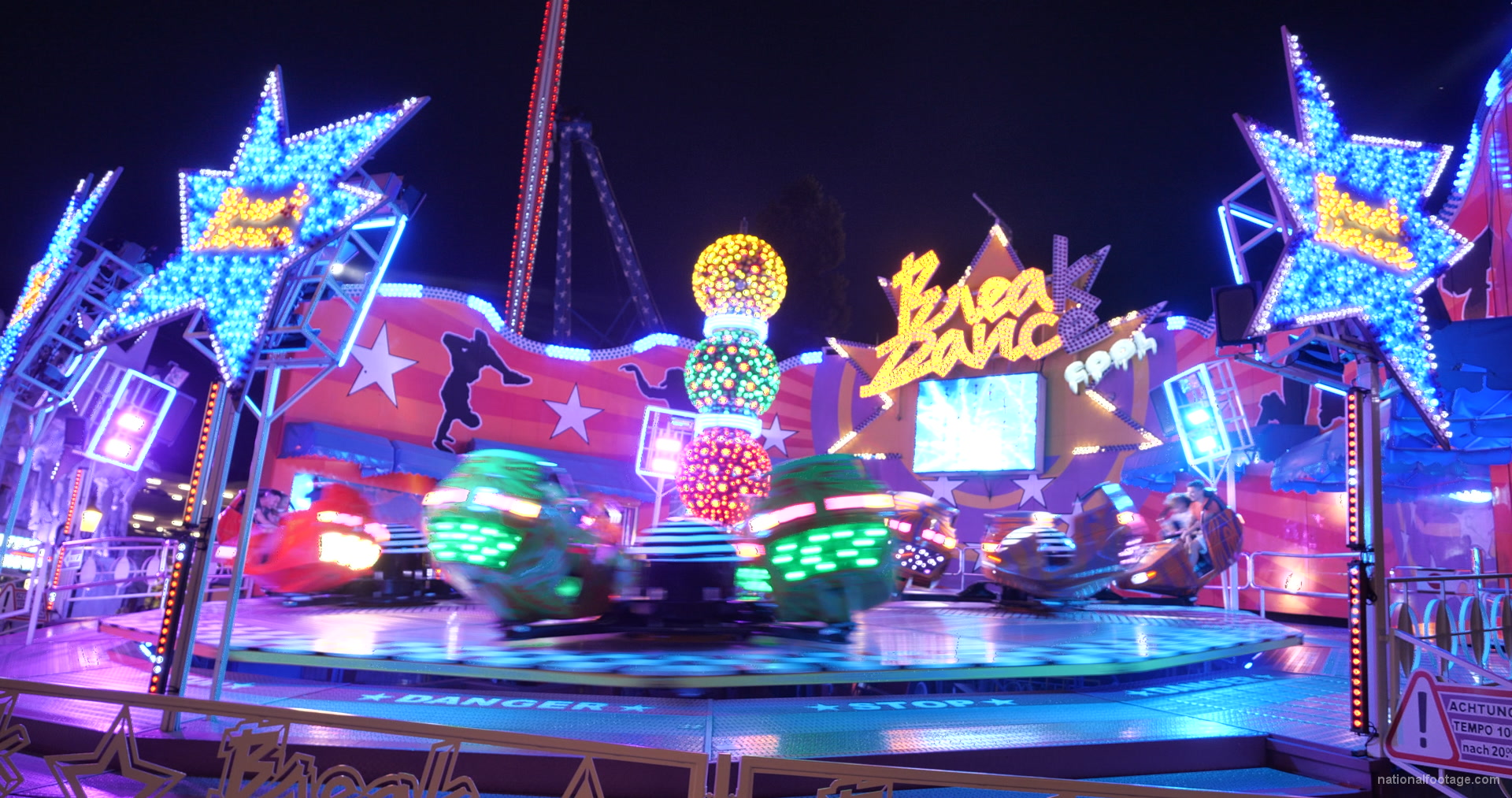 vj video background Energetic-Break-Dance-Attraction-In-Prater-Vienna-Austria_003
