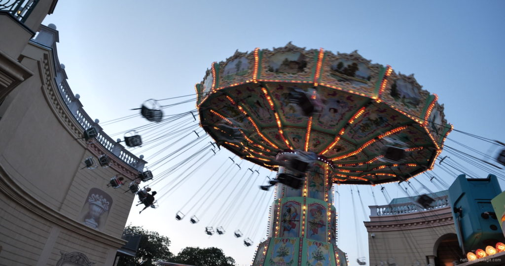 Incredible-Speed-Rotating-Wheel-Attraction-In-Prater-Vienna-Austria_004 National Footage