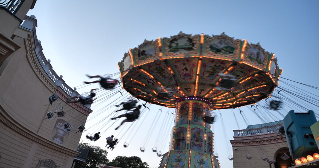 Incredible-Speed-Rotating-Wheel-Attraction-In-Prater-Vienna-Austria_009 National Footage
