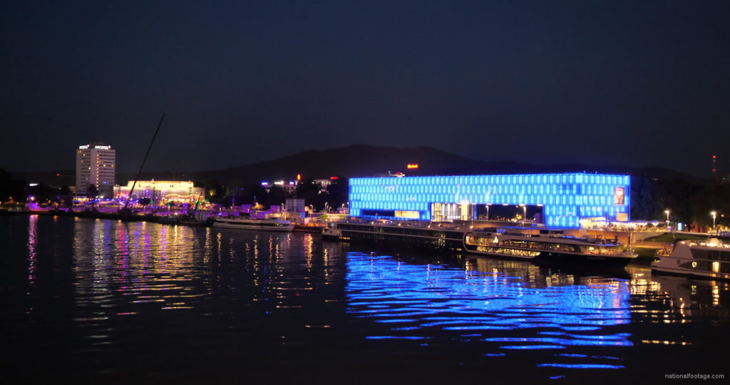 Marvelous-Night-on-Dunay-in-Linz-Linec-Austria-4K-25-fps-Live-Footage_001 National Footage