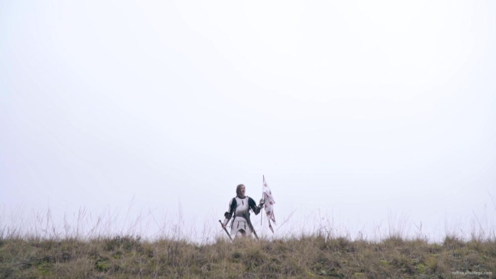 vj video background Strong-blonde-girl-knight-with-armor-sword-and-flag-calling_003