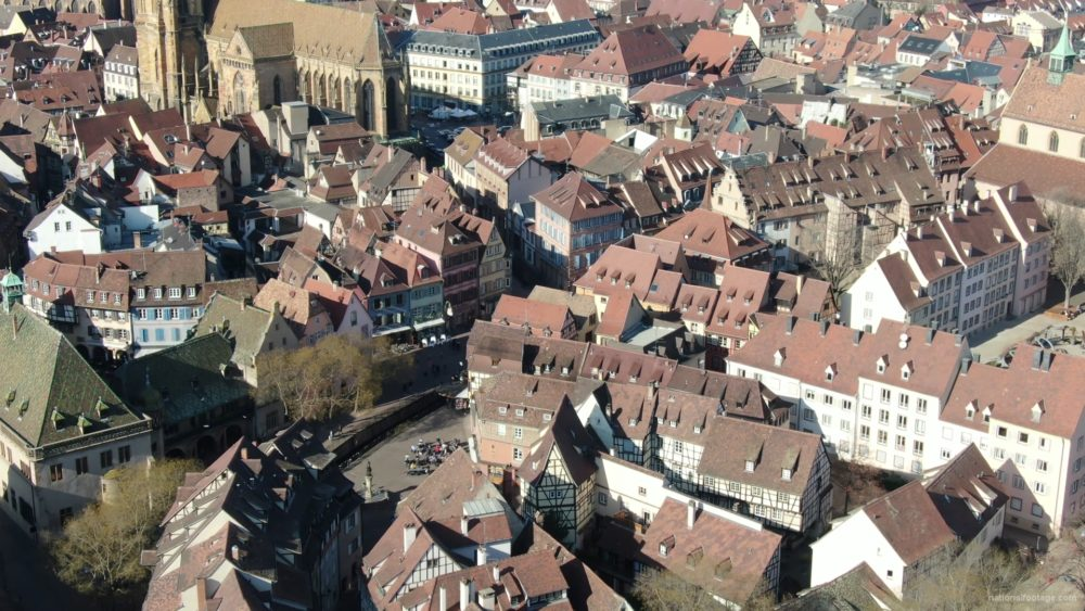 vj video background Sun-Medieval-Eropean-city-aerial-video-Ultra-HD_003